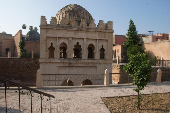 Zabytek Almoravid Koubba w Marrakeszu