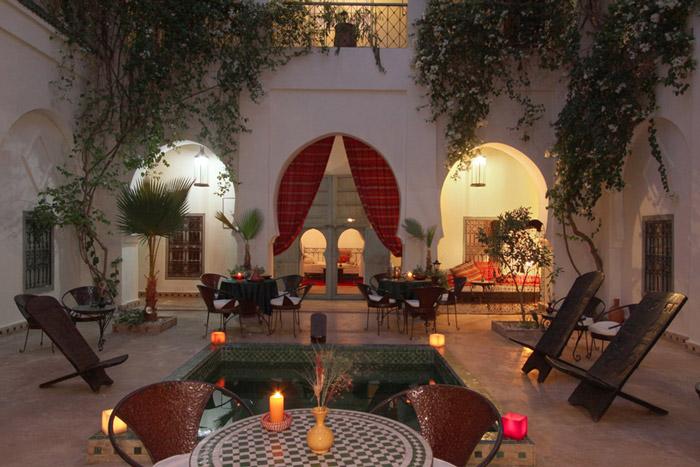 Zdjęcie patio Riad Dar Bounouar w Marrakeszu